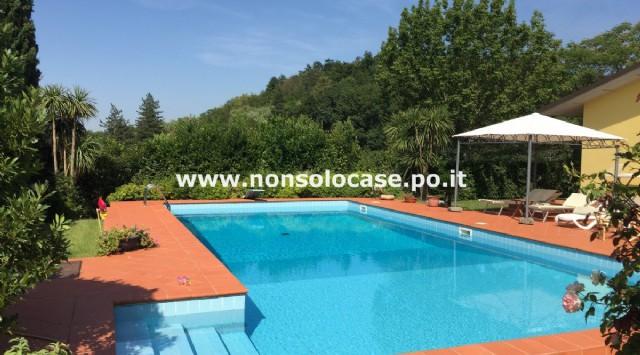 Montale: splendida villa libera 4 lati con piscina